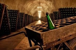 Хранить или не хранить шампанское?