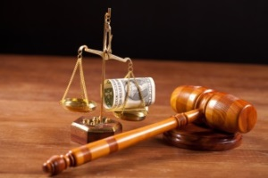 Кем определяется размер компенсации морального вреда?